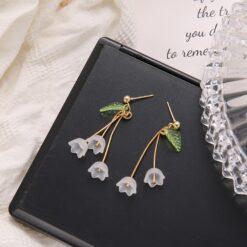 White Acrylic Flower Drop Earrings  1