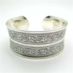 Silver Plated Carved Statement bangle 3